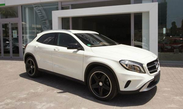 MERCEDES BENZ GLA AMG EDITION 1 PACK